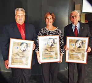 José A. Cerra Artime, Ana Mª Suárez Ferrería y Julio C. González Tirador.
