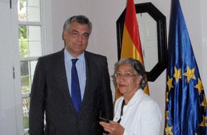 Jesús Silva y la delegada de España Exterior en Venezuela, Marta Aguirre.