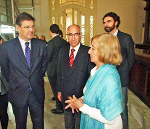 Marina García intercambió con el ministro Rafael Catalá sobre los 107 años de labor de la sociedad, sus objetivos y proyecciones.
