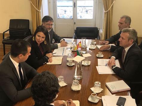El vicepresidente de la Xunta, Alfonso Rueda (derecha), se reunió en Lisboa con varios representantes del Gobierno portugués para seguir avanzando en algunos asuntos.