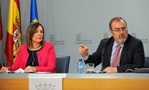 La portavoz, Milagros Marcos Ortega, y el consejero de Educación, Fernando Rey Martínez, en la rueda de prensa posterior a la reunión del Consejo de Gobierno.