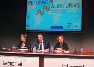 Begoña Serrano, Guillermo Martínez y Paz Fernández Felgueroso en la inauguración de la jornada.