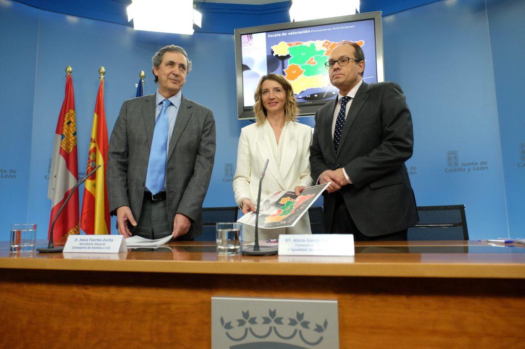 Alicia García, consejera de Familia e Igualdad de Oportunidades, presentó los resultados.