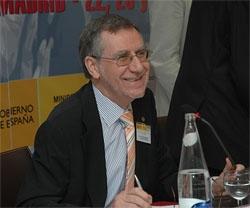Francisco Ruiz en el III Pleno del V Mandato del CGCEE celebrado en Madrid en junio de 2009.