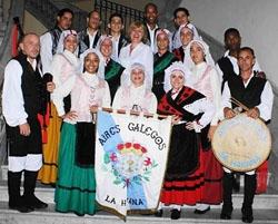 La agrupación 'Aires Galegos da Habana'.
