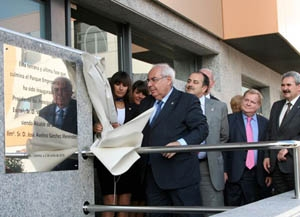 Areces descubrió una placa conmemorativa del parque empresarial.