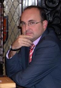 Julio Olmos.
