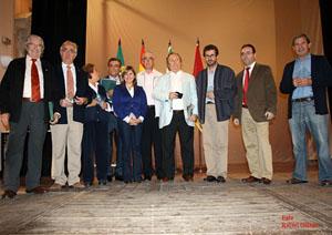 La alcaldesa con los presidentes de las entidades extremeñas.