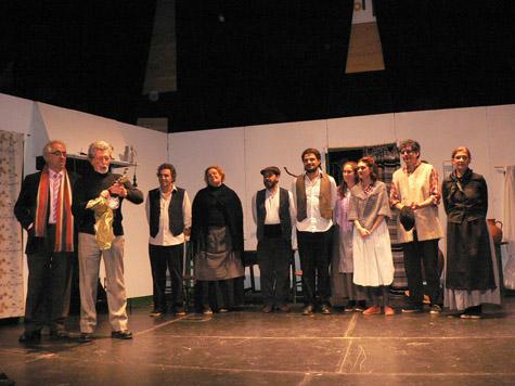 La Casa de Extremadura en Sevilla colaboró en la puesta en escena.