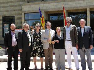 En en centro, Pepi González, Jordi Bayona y Encarna Pastor, junto al descendientes balear y escritor Jorge Sagrera.