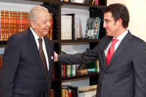 Sergio Romero y Núñez Feijóo durante su encuentro en Santiago.