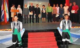Los integrantes el órgano de gobierno de la Federación.