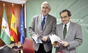 Gómez Periñán y Eduardo Moyano, durante la presentación de los estudios sobre los andaluces en el exterior.