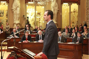 José Ramón Bauzá jura su cargo.