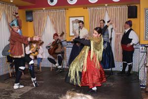 Actuación del grupo folclórico aragonés 'El Pilar'.