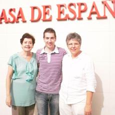 Marcos Cienfuegos con Charo Concepción Fernández y Mª Fe Varela.