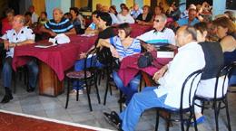 Vista parcial del salón de actos de la FAAC durante el acto.