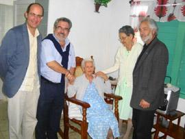 José Francisco Armas, a la derecha, con María Lucila Mouzo.
