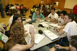 Los jóvenes tratarán diversos temas en talleres de trabajo.