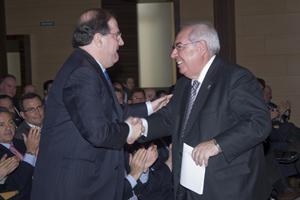 Herrera y Areces se saludan en Valladolid.