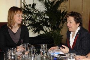 Leire Pajín y Pilar Farjas durante su reunión en Madrid.