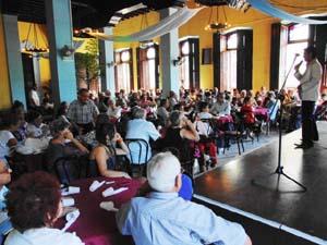 Salón de Actos de la FAAC durante la celebración del Día de Andalucía. Vista parcial.