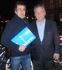 Alfredo Prada y el presidente del PP en los Países Bajos, Carlos Rodríguez Vega.