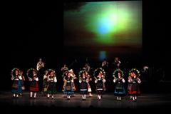 Actuación del grupo de baile de la Agrupación.