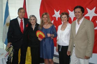 La directora de la AME se reunió con los representantes de los centros.