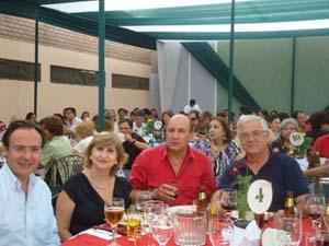 El cónsul general de España con la presidenta del Centro Andaluz y el presidente del Centro Español del Perú