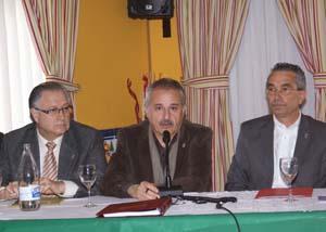 Juan Eduardo García junto a Arilla y Navas.