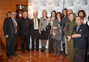 La consejera con un grupo de periodistas especializados en la Semana de Andalucía en Madrid.