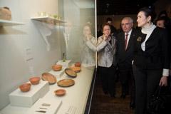 Areces y González-Sinde en la apertura del Museo Arqueológico.