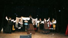 Actuación del grupo 'Os Paíños'.
