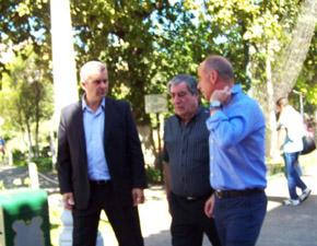 Alejandro López Dobarro, Carlos Vello y Santiago Camba en la romería del Centro Gallego de Buenos Aires del domingo 10 de abril.