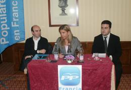 José Manuel Taboada, presidente del PP en Francia, Victoria Cristóbal y el secretario de la agrupación 'popular'.