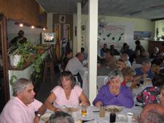 Reunión social con la que se inició el Taller de Canto de la Asociación Islas Canarias de Maldonado.