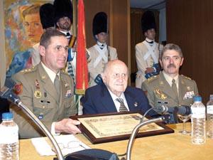 Cosme Sordo con el coronel del Regimiento.