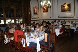 Una panorámica del salón que acogió los festejos del Centro por su cuarto aniversario.