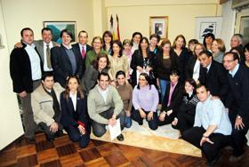 Pilar Pin con los alumnos de los cursos de AEGU.