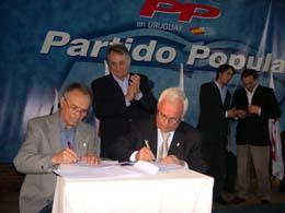 Por firmar el convenio en un acto del PP en Montevideo el Hogar se quedó sin la ayuda de la Diputación de Ourense.