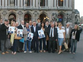 Alfredo Prada en el acto de inicio de campaña en París.