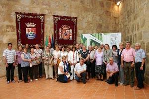 Foto de familia de los visitantes.