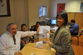 Constanza, hija y nieta de españoles en Uruguay, ejerció su derecho en el Consulado de Montevideo.