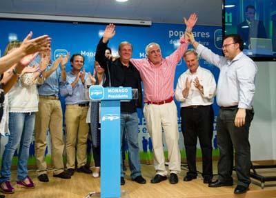 José Antonio Monago celebra su triunfo histórico.
