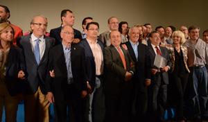 Javier Arenas con alcaldes del PP tras el Comité Ejecutivo Regional.