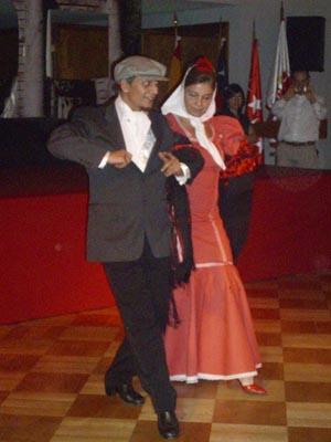 Ana María Millán y Antonio Mourino bailaron el típico chotis Madrid.