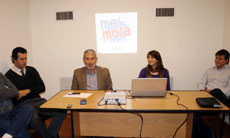 Manuel Barros acompañó a los jóvenes en la presentación de 'Me Mola' JGU.