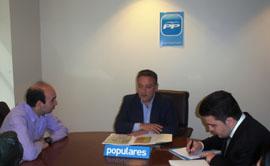 Alfredo Prada en la reunión con el Comité Ejecutivo del PP en Francia.