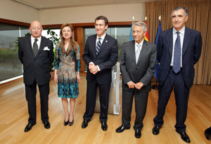 Alberto Núñez Feijóo junto a Julio Fernández Gayoso, José María Castellano (1ºdercha), Mauro Varela y Marta Currás,